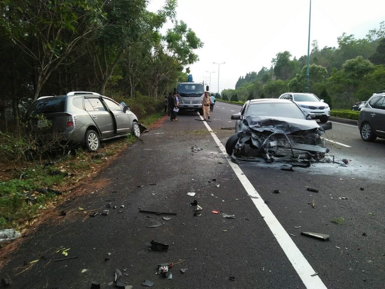 Hiện trường vụ tai nạn nghiêm trọng trên cao tốc Liên Khương - Đà Lạt