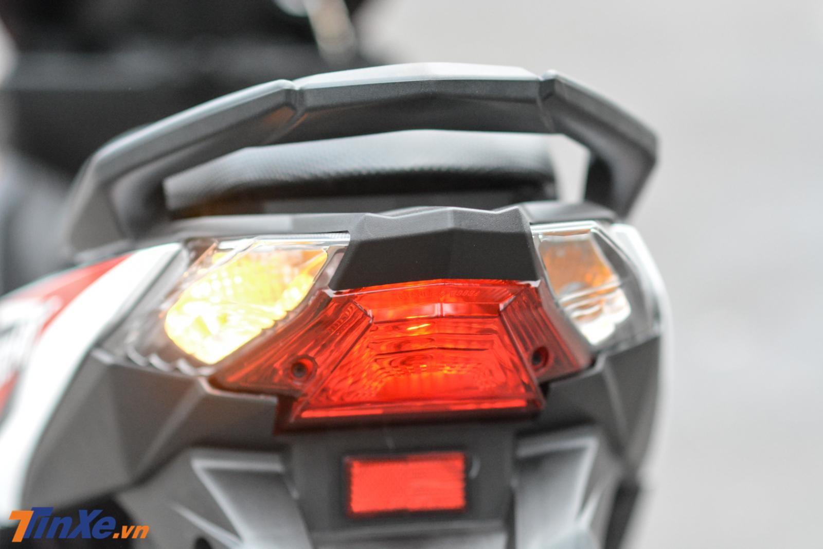 Đèn hậu thiết kế đơn giản
