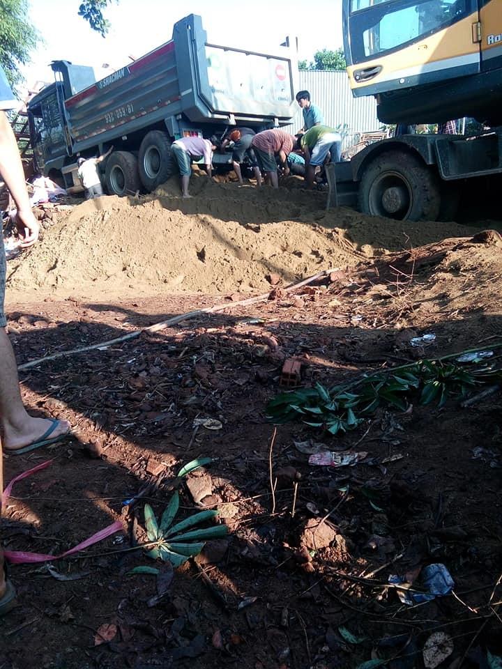 Hiện trường vụ tai nạn thương tâm tại tỉnh Bình Phước vào sáng sớm nay