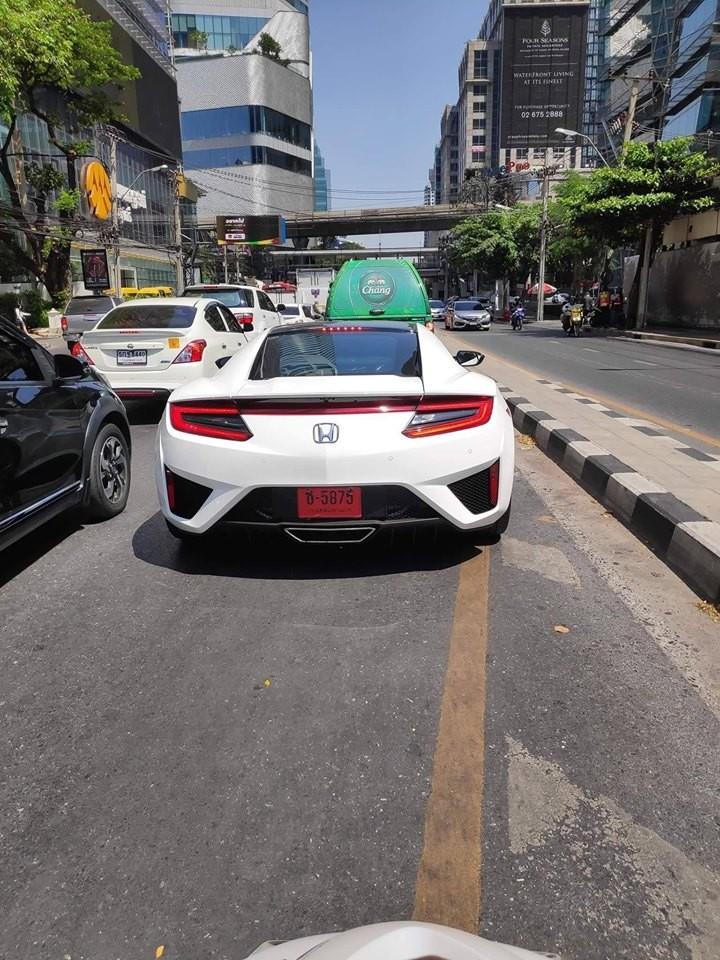 Siêu xe Honda NSX 2018 từng xuất hiện ở Việt Nam đã có chiếc đầu tiên lăn bánh tại Thái Lan
