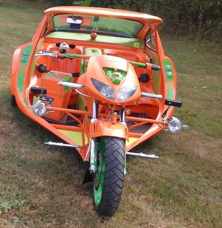 Đầu xe lấy từ Honda Fireblade đời cũ