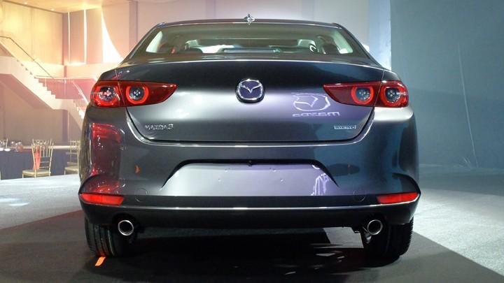 Mazda3 2019 tại  châu Âu còn có động cơ diesel 1,8 lít