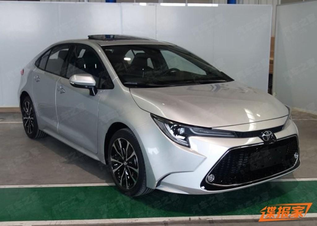 Toyota Levin 2019 bản cao cấp với vành hợp kim 17 inch