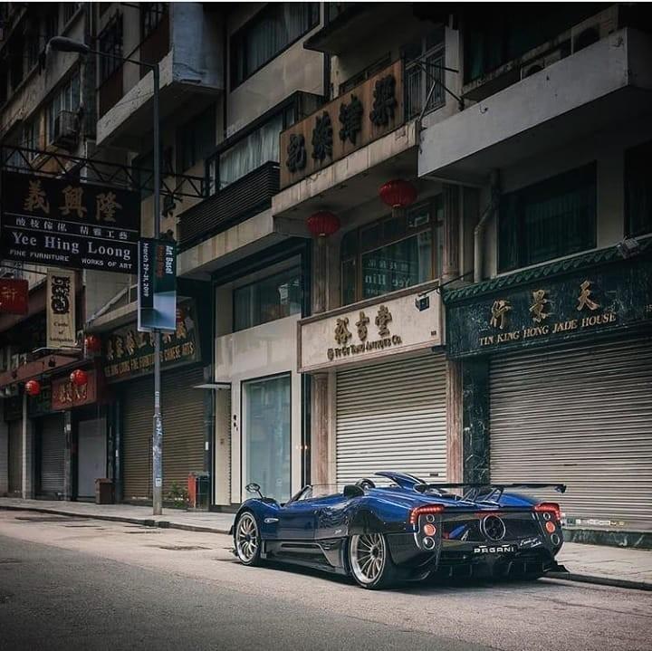 Siêu phẩm Pagani Zonda HP Barchetta xuất hiện trên đường phố Hồng Kông