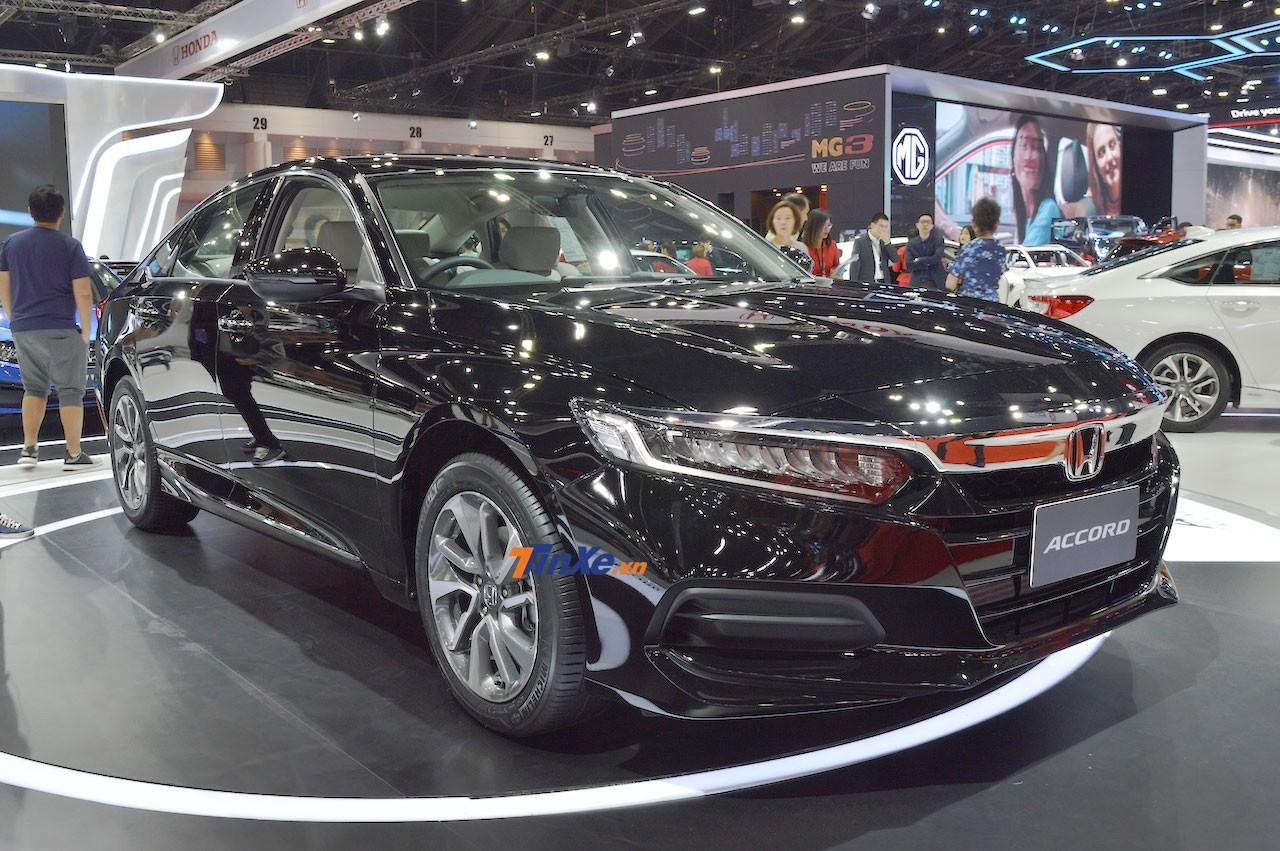 Honda Accord 2019 được trưng bày trong triển lãm xe Bangkok 2019