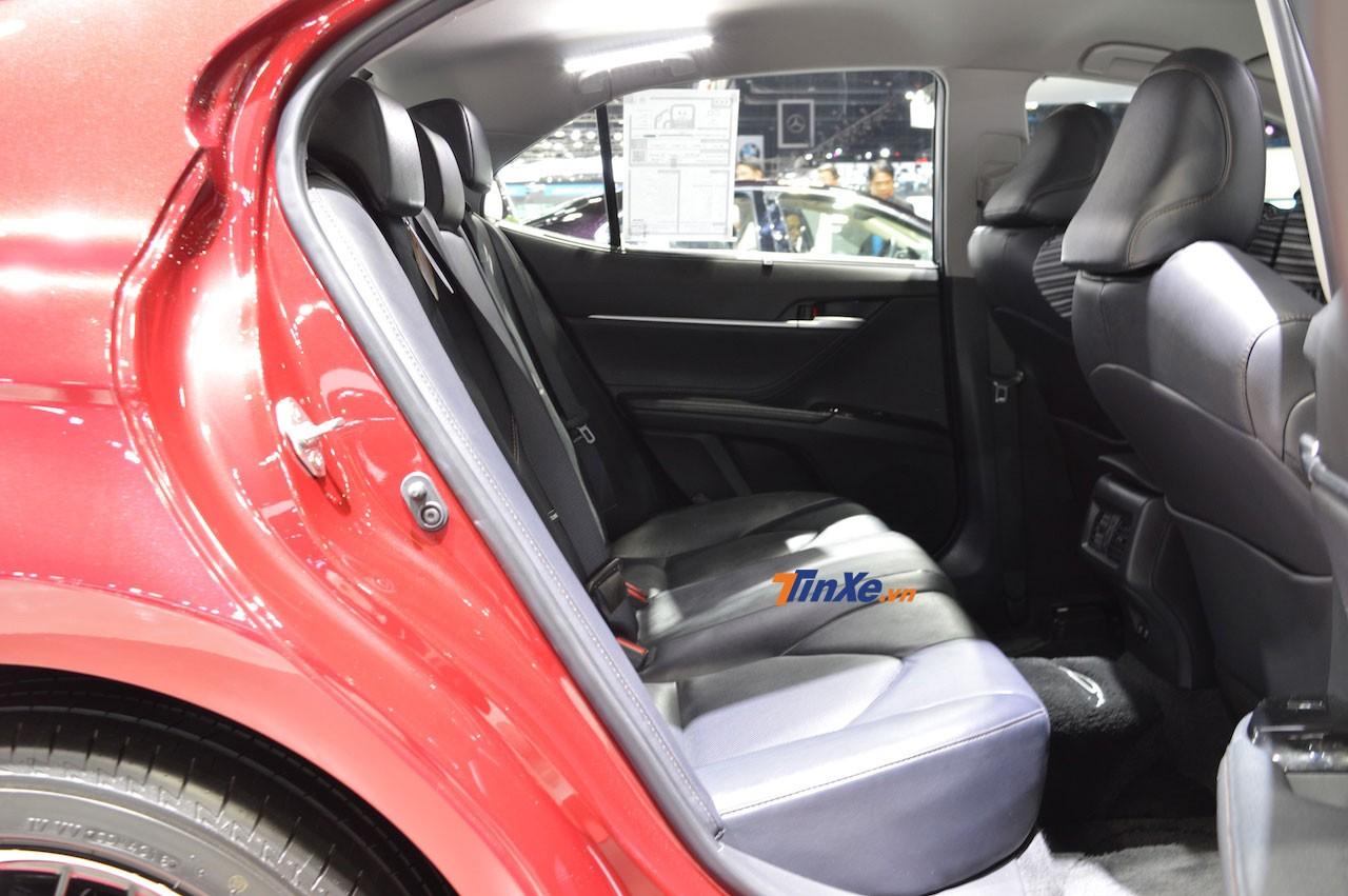 Hàng ghế sau của mẫu sedan cỡ trung này
