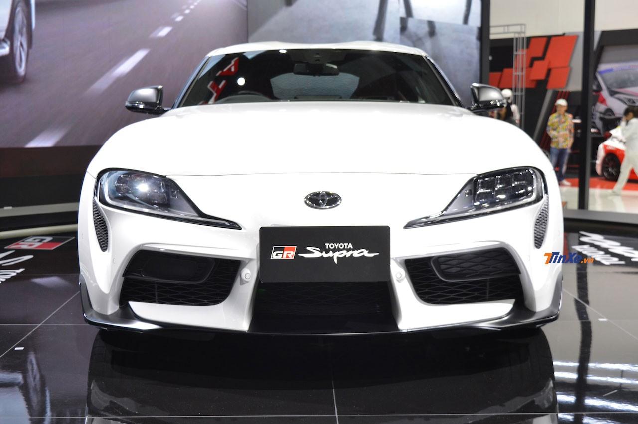 Toyota GR Supra 2020 sở hữu đầu xe gợi liên tưởng đến xe đua F1