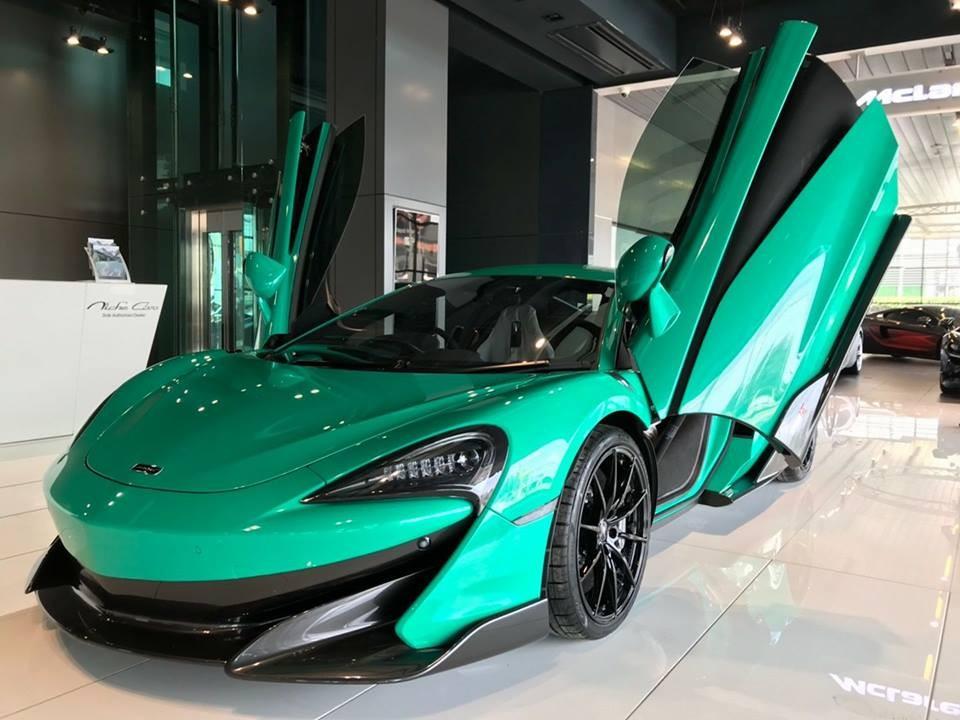 Chiếc McLaren 600LT đầu tiên đến Thái Lan có màu sơn Luminaire Green