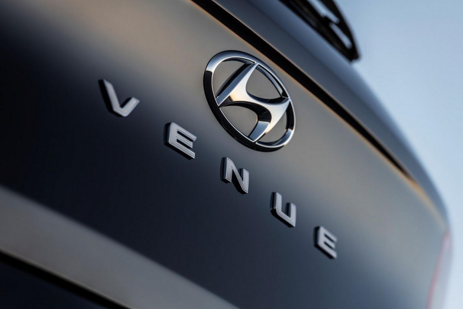 Hình ảnh hé lộ tên gọi chính thức của mẫu crossover mới nhà Hyundai