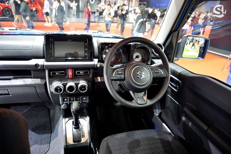Nội thất bên trong Suzuki Jimny 2019 tại thị trường Thái Lan