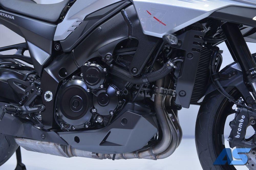 Khối động cơ 4 xylanh, 999 cc của Suzuki Katana