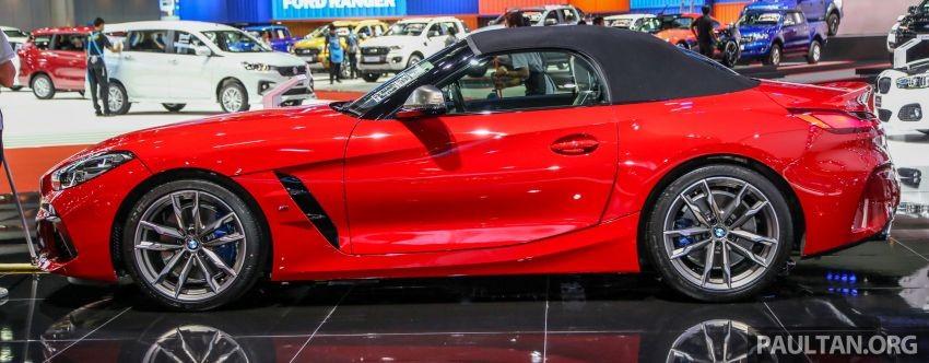 BMW Z4 M40i 2019 đương nhiên được trang bị tốt hơn bản còn lại