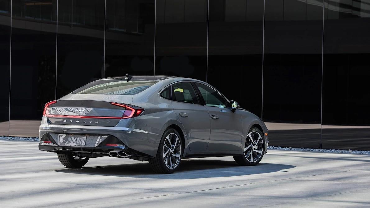 Hyundai Sonata 2020 bản quốc tế có 2 động cơ khác với xe ở thị trường Hàn Quốc