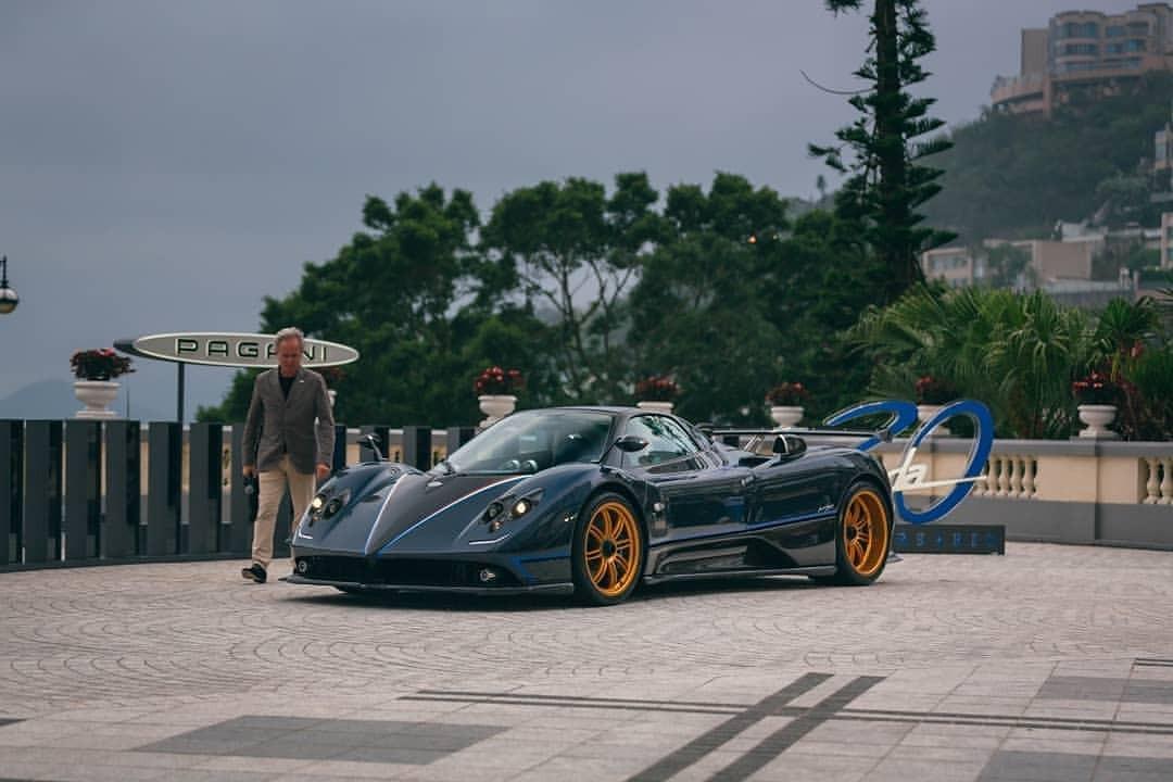 Pagani Zonda Tricolore xuất hiện tại Hồng Kông nhiều khả năng là chiếc mang số thứ tự 2/3 từng được đại lý siêu xe tại Ả-Rập Xê-Út rao bán