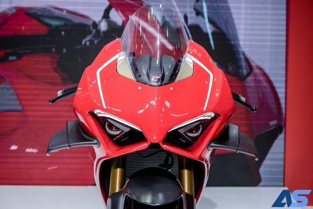Đầu xe Ducati Panigale V4R
