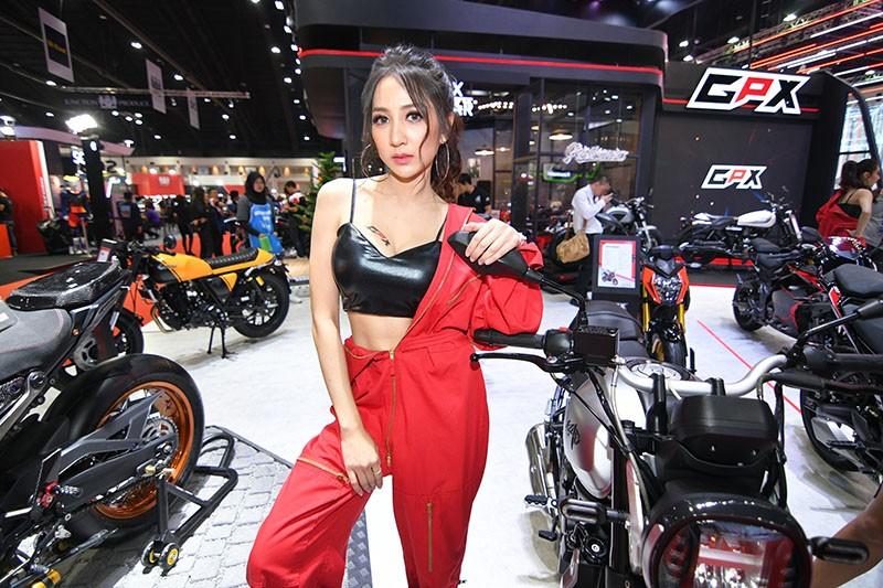 Ngất lịm trước vẻ dễ thương và gợi cảm của người mẫu Thái ở triển lãm Bangkok 2019 - 10