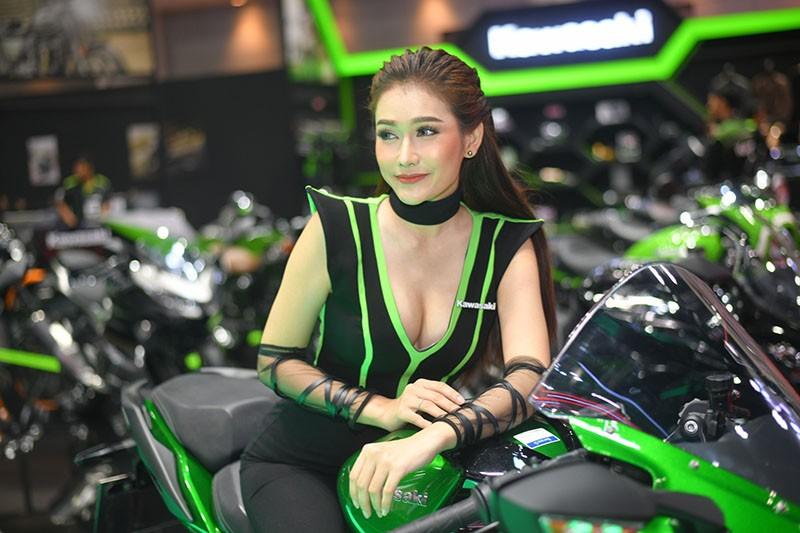 Ngất lịm trước vẻ dễ thương và gợi cảm của người mẫu Thái ở triển lãm Bangkok 2019 - 6