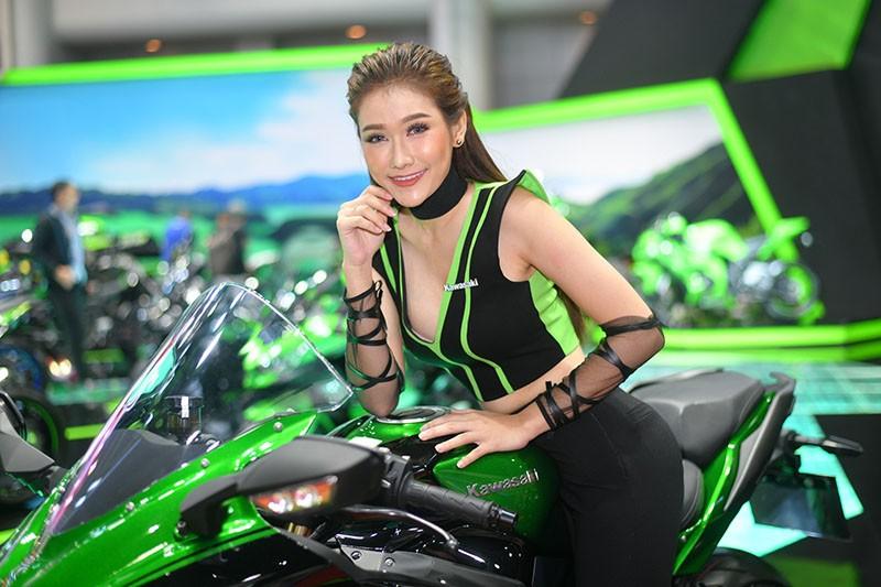 Ngất lịm trước vẻ dễ thương và gợi cảm của người mẫu Thái ở triển lãm Bangkok 2019 - 5