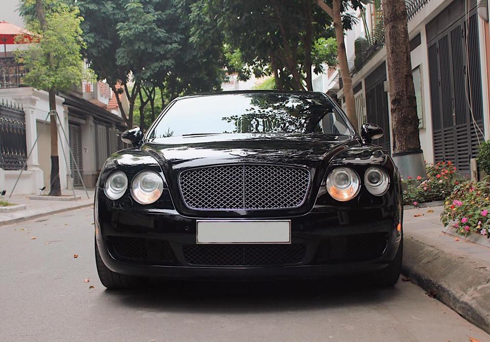Bentley Continental Flying Spur đang được rao bán ở Hà Nội