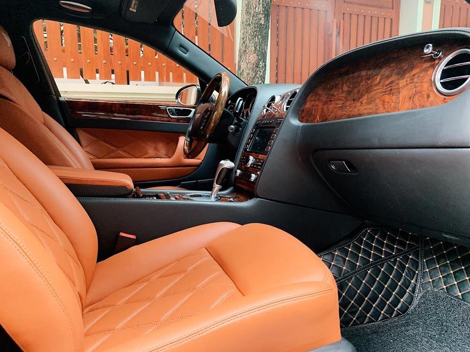 Nội thất chiếc xe siêu sang Bentley Continental Flying Spur đang rao bán