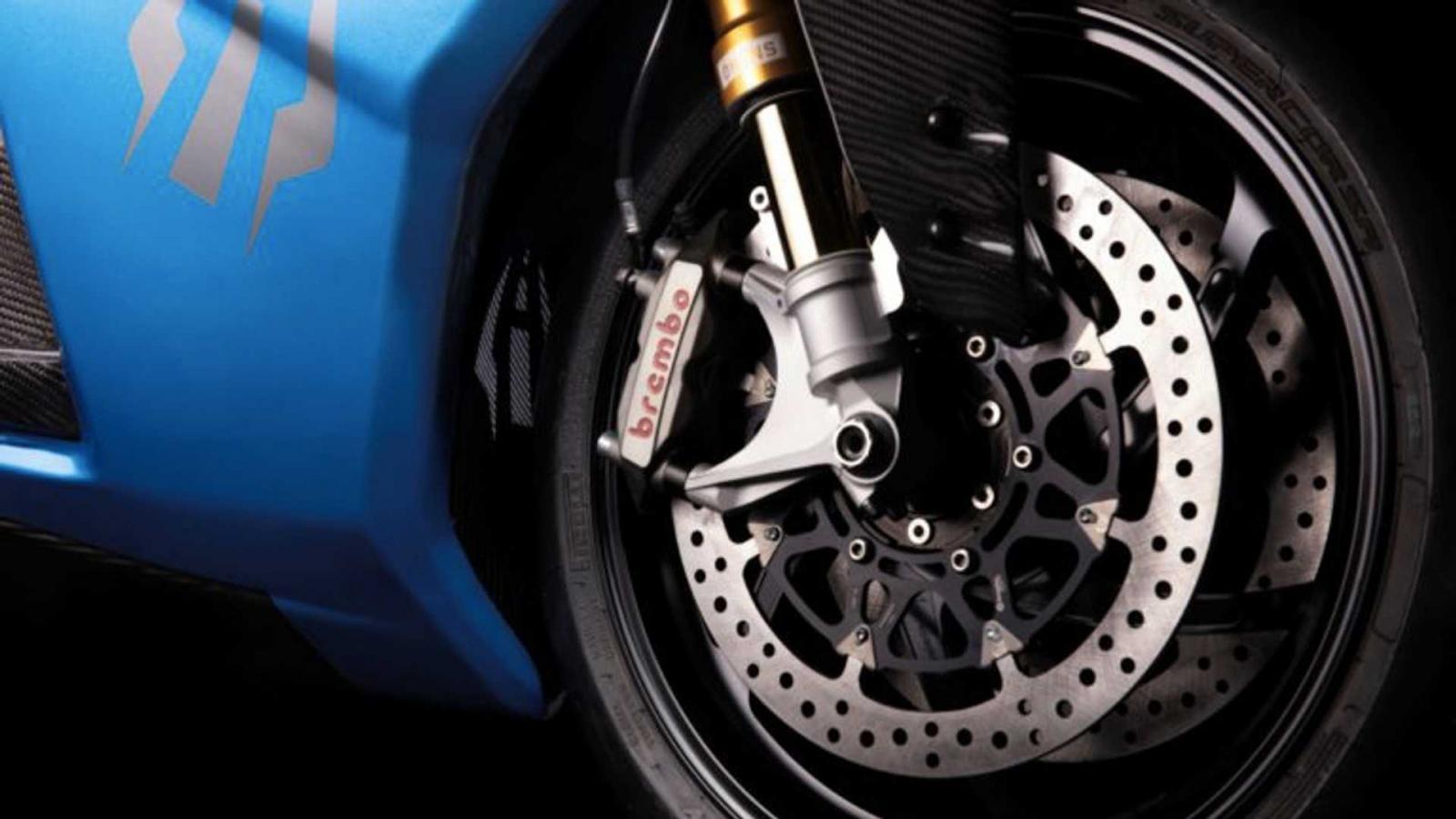 Hệ thống treo Ohlins, phanh Brembo và bảng đồng hồ AiM Strada sẽ là trang bị nâng cấp riêng