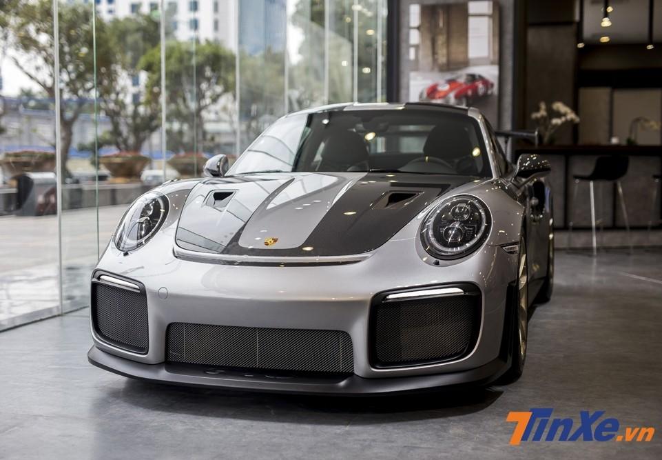 Siêu xe Porsche 911 GT2 RS đầu tiên về Việt Nam
