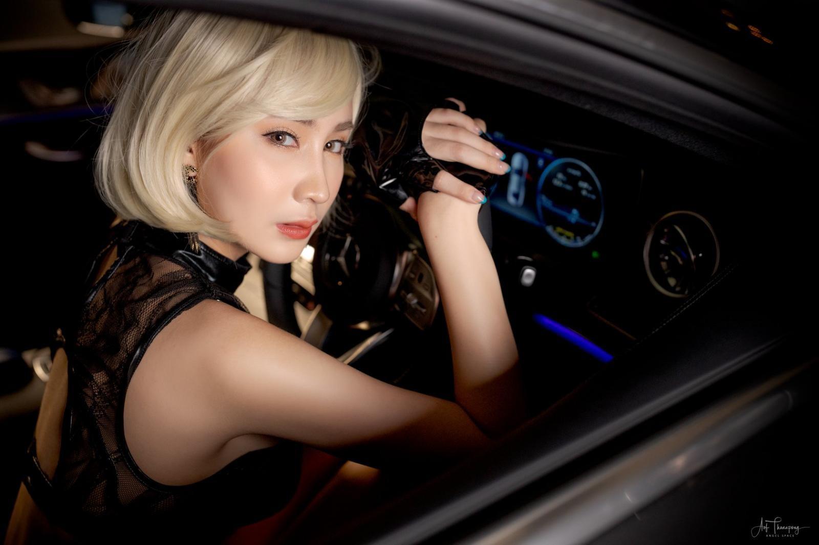 Chảy máu mũi với hình thể nuột nà của người mẫu xe Thái Lan - 10