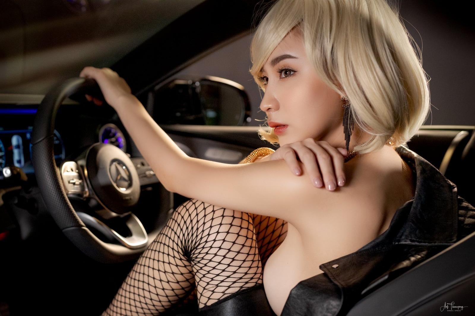 Chảy máu mũi với hình thể nuột nà của người mẫu xe Thái Lan - 20