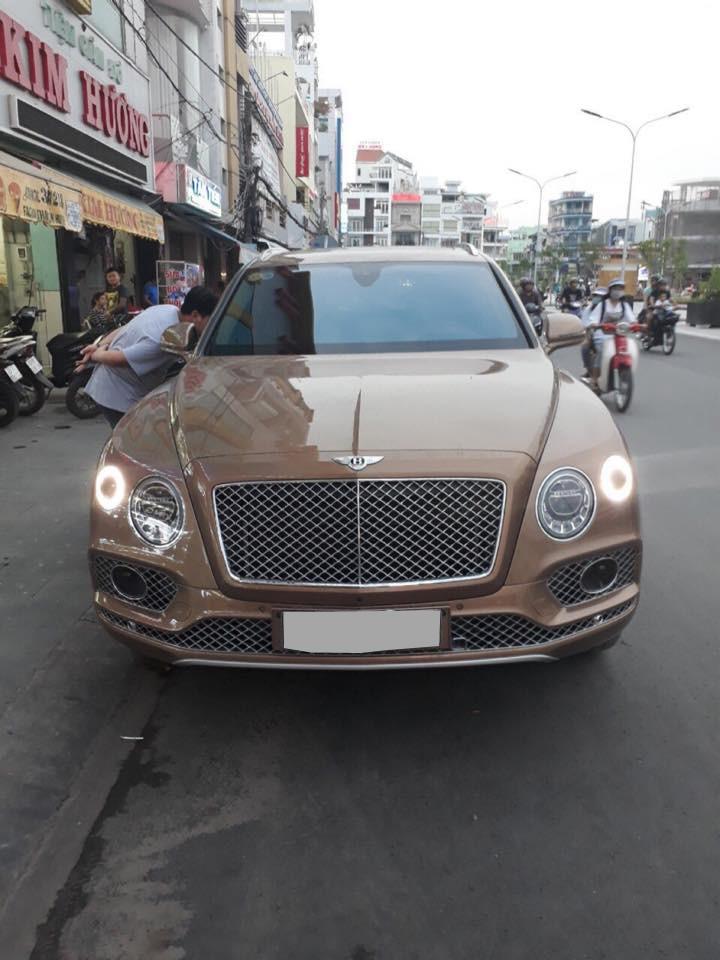 SUV siêu sang Bentley Bentayga xuất hiện tại An Giang khiến không ít người bất ngờ