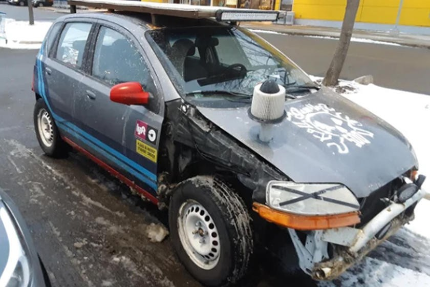 Những chiếc xe độ thảm họa mà khiến ta phải gãi đầu suy nghĩ - 8