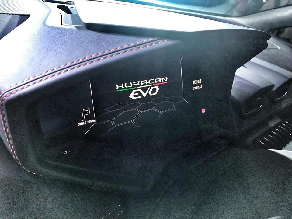 Lamborghini Huracan EVO 2020 chỉ mất 2,9 giây để tăng tốc từ 0-100 km/h