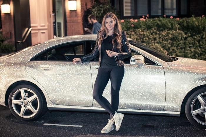 Chân dung cô nàng thiết kế thời trang cuồng pha lê Daria Radionova
