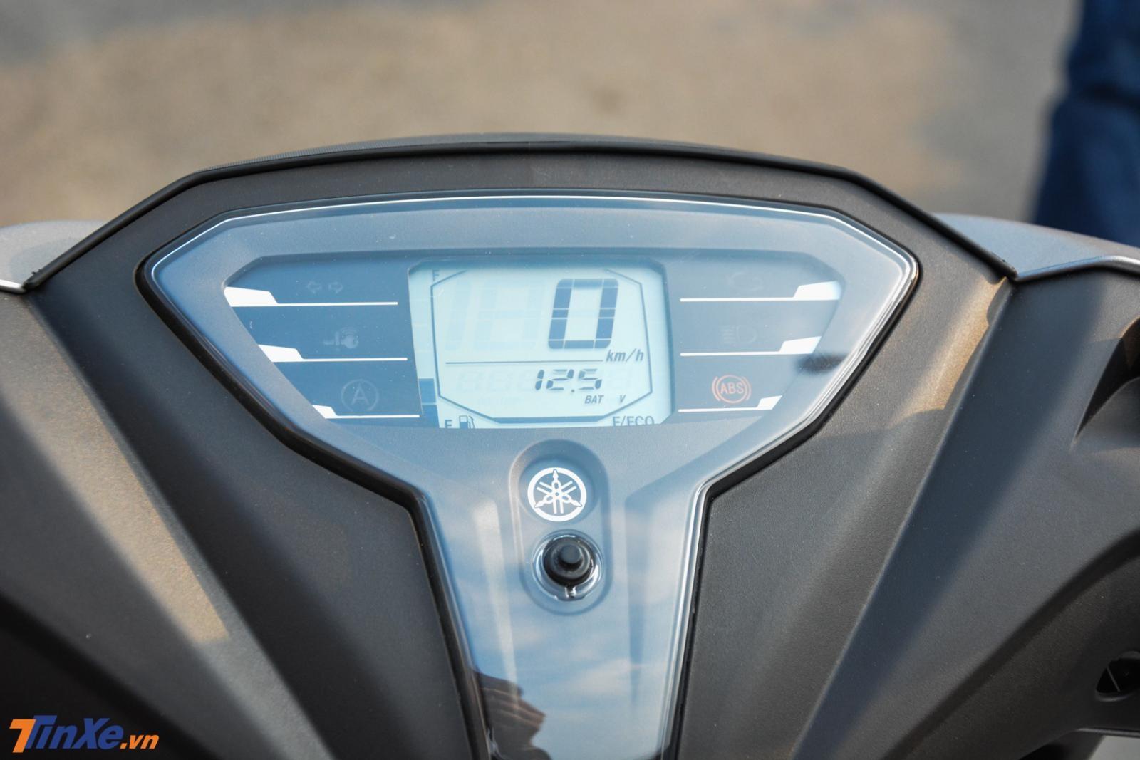Mặt đồng hồ thể thao LCD trên Yamaha FreeGo bản đặc biệt