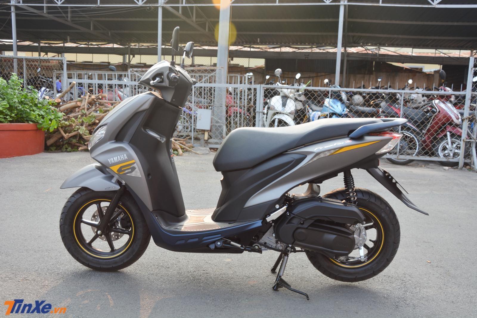 Trọng lượng của Yamaha FreeGo S lên đến 102 kg, nặng 2 kg so với Yamaha FreeGo tiêu chuẩn