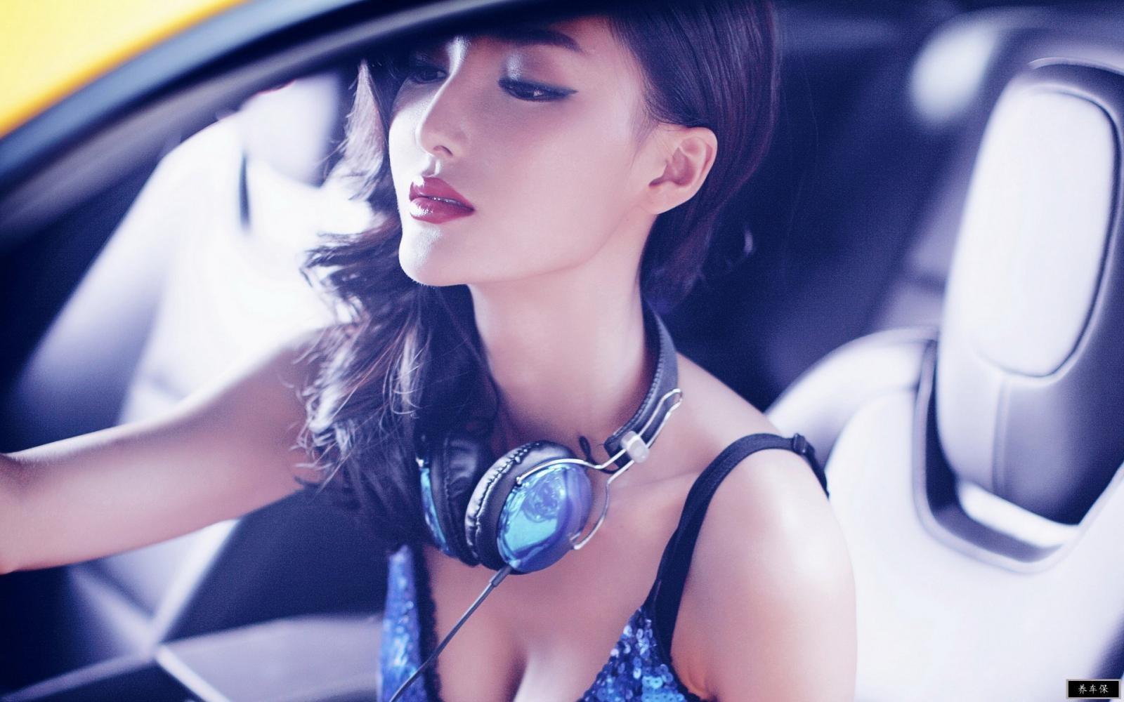 """Ngắm """"nữ thần gợi cảm"""" Lí Dĩnh Chi tạo dáng đầy phong cách trong xe - 7"""