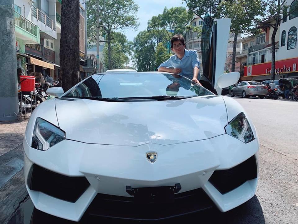 Doanh nhân Bình Dương mua siêu xe Lamborghini Aventador bí ẩn nhất Việt Nam để chơi Giỗ Tổ Hùng Vương 2019
