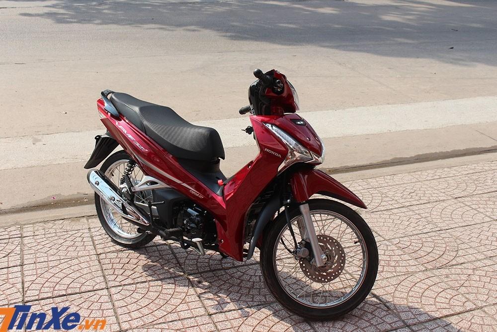 Giá bán của Honda Wave 125i nhập từ Thái Lan đắt gấp đôi Honda Future 125