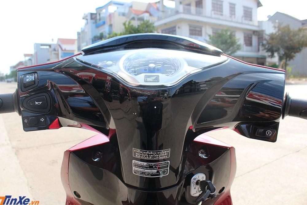 Các nút bấm bố trí của Honda Wave 125i nhập từ Thái Lan không khác gì Honda Future 125 ở Việt Nam