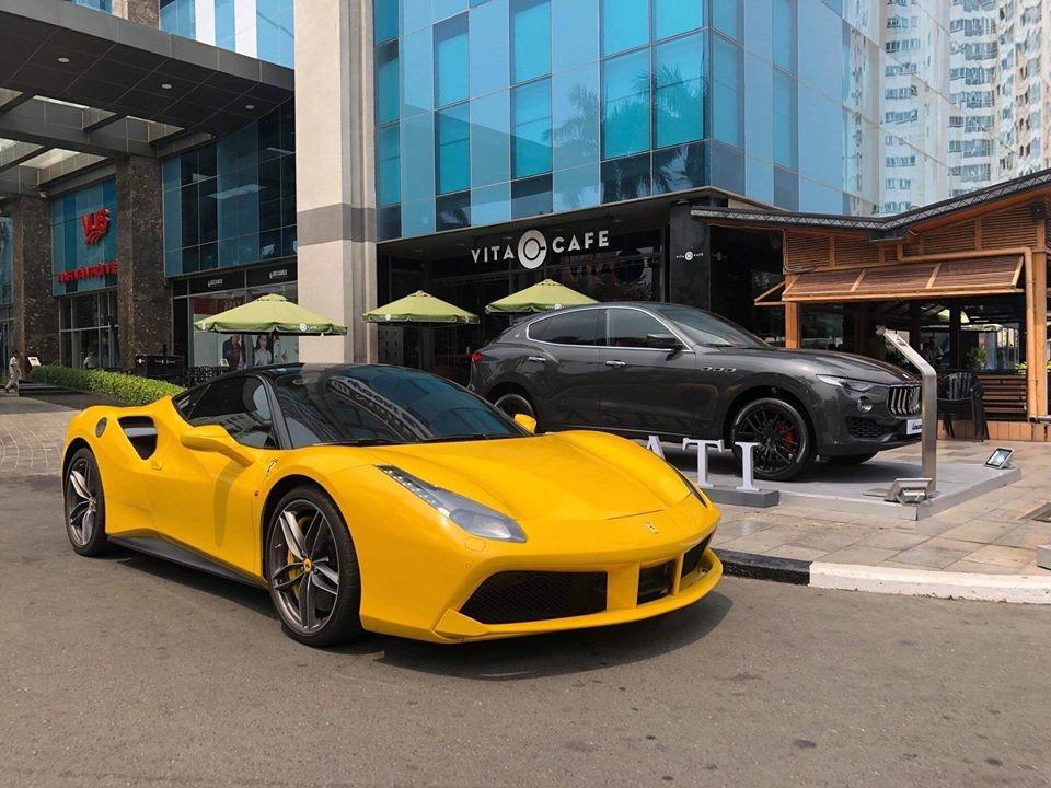 Ferrari 488 GTB màu vàng chính là siêu xe đầu tiên có mặt tại Bình Dương