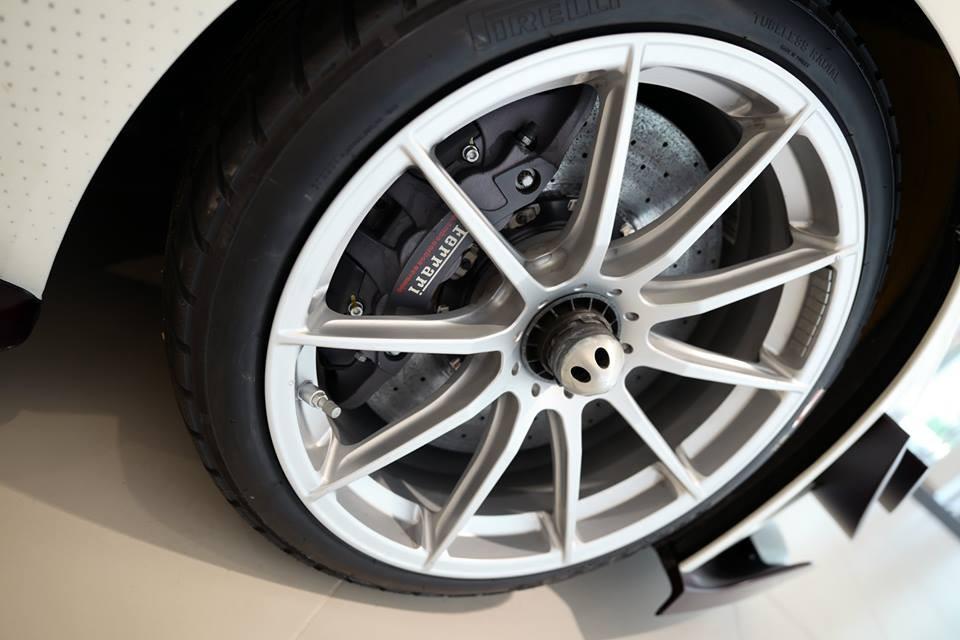 Ferrari FXX K Evo có công suất tổng cộng là 1.050 mã lực