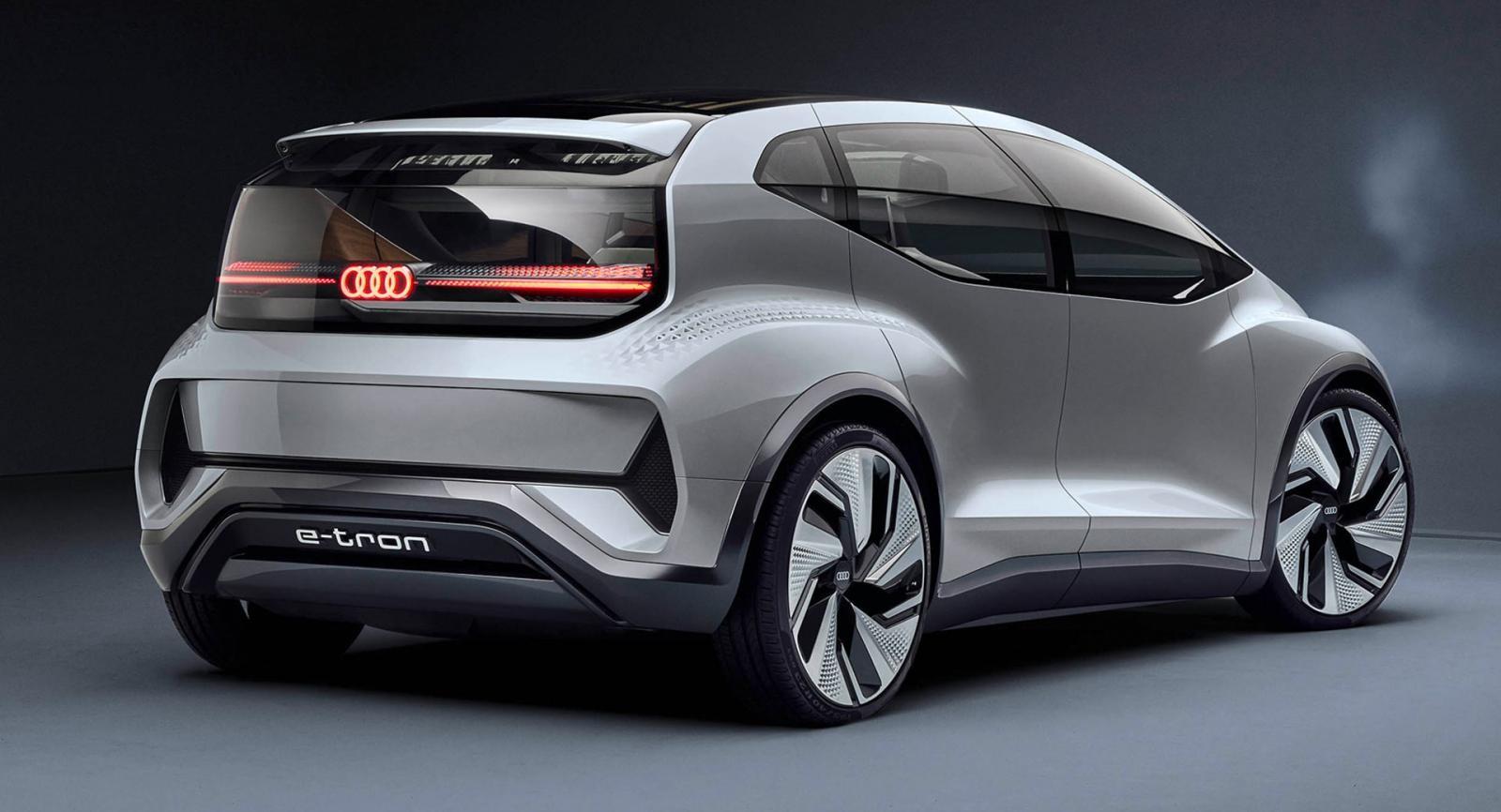 Nó sở hữu một thiết kế khác biệt hoàn toàn so với những mẫu Audi khác