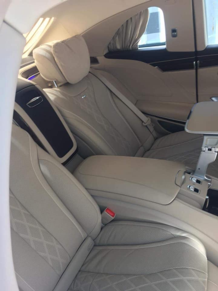 Nội thất của Mercedes-Maybach S600 Pullman