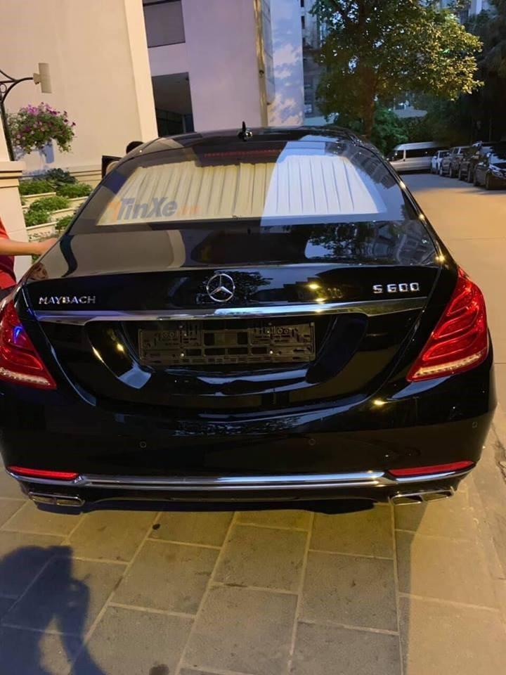 Giá bán mỗi chiếc Mercedes-Maybach S600 Pullman khoảng 560.000 đô la tại nước ngoài