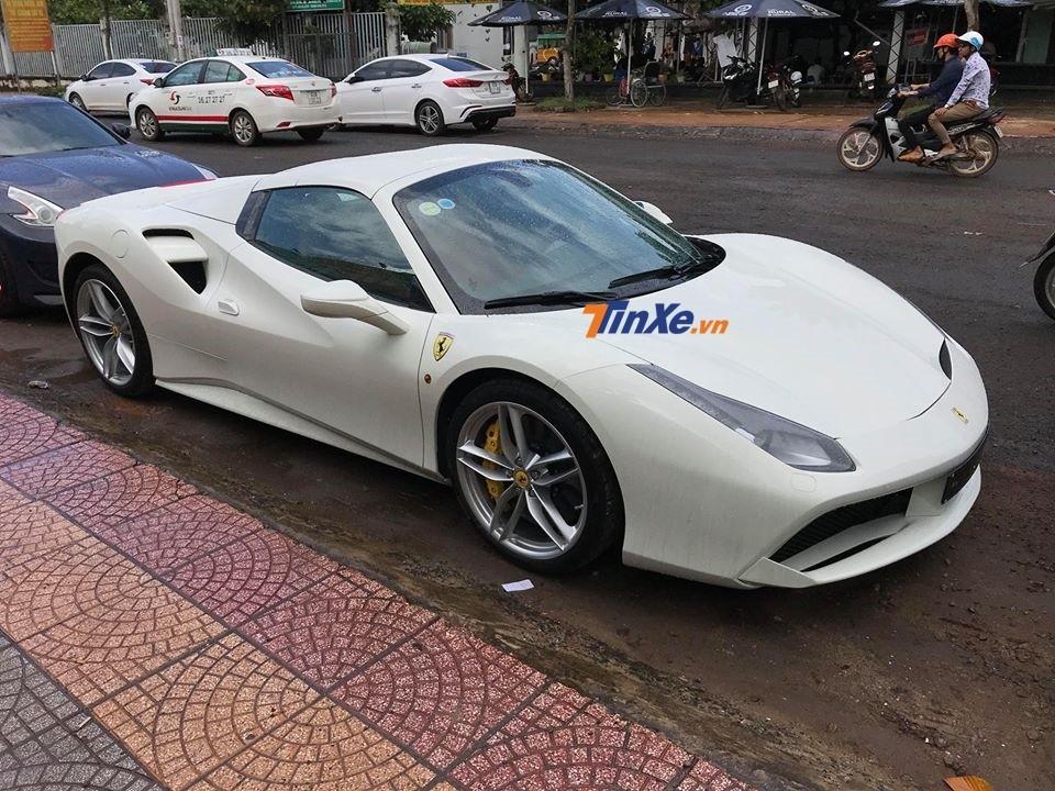 Siêu xe Ferrari 488 Spider đầu tiên ở Bình Phước