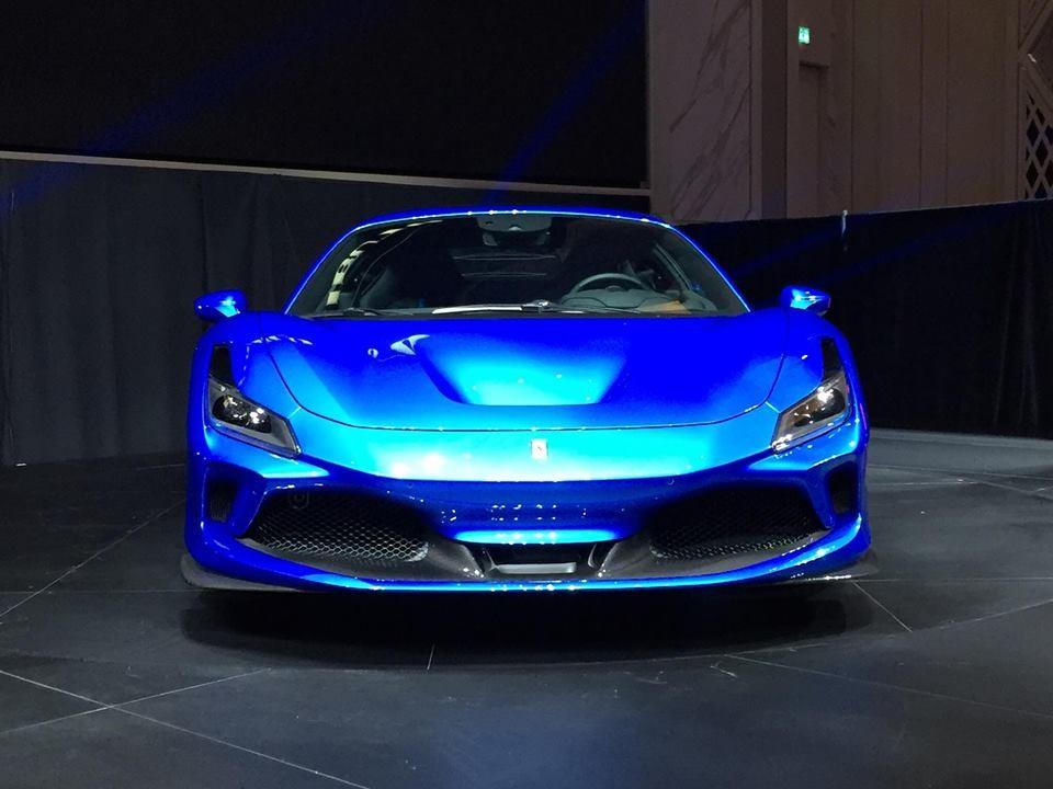 Thiết kế đẹp mắt trên siêu xe Ferrari F8 Tributo