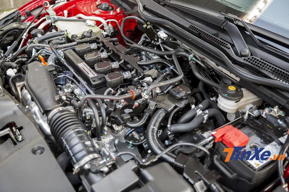 Trái tim của Honda Civic RS 2019 là khối động cơ 4 xi-lanh, tăng áp, dung tích 1,5 lít, sản sinh công suất tối đa 170 mã lực và mô-men xoắn cực đại 220 Nm.