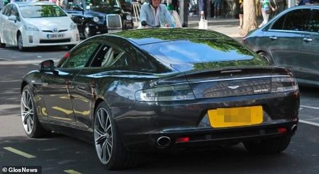 Chiếc Aston Martin Rapide trước khi vụ tai nạn xảy ra