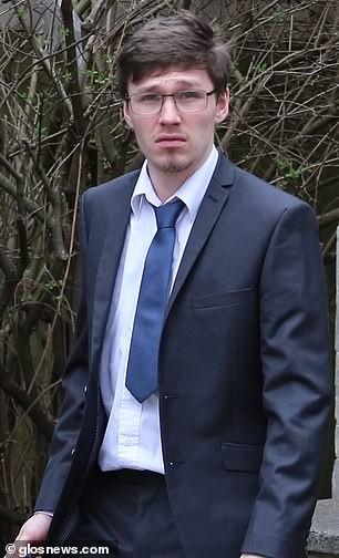 Chân dung nam thanh niên lái chiếc Aston Martin Rapide và gây tai nạn