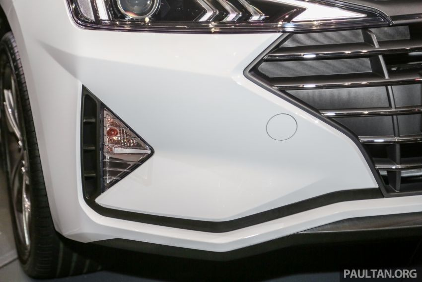 Đèn sương mù trước của Hyundai Elantra 2019