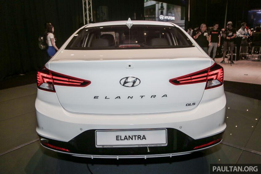 Thiết kế đuôi xe của Hyundai Elantra 2019